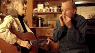 """Arkansas Traveler "" (with harmonica) Annie & Mac Old Time Music Moment"