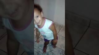 Sobrinha Sophia dançando funk