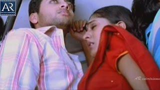 Sheela and Navdeep in Bus | Seethakoka Chiluka Movie Scenes | AR Entertainments width=