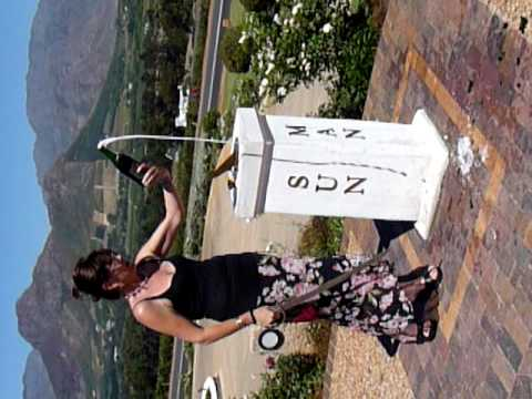 How to cut the bottle – Haute Cabriere Cellar, Franschhoek Wine Valley, South Africa 2010