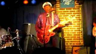 "Chuck Berry LIVE with ""My Ding-a-Ling"""