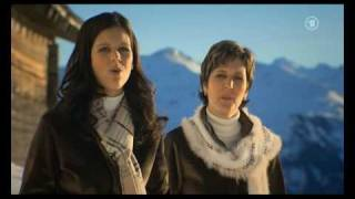 Oesch's die Dritten - Vom Berg hallt ein Jodler