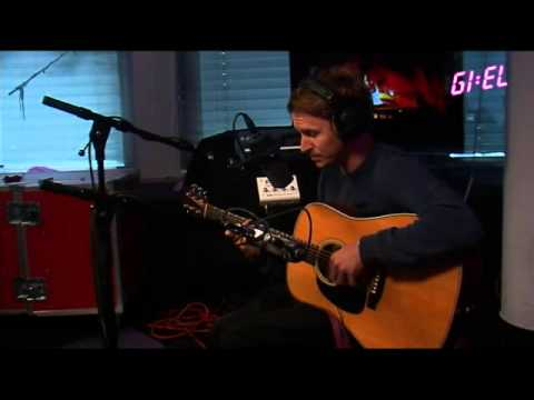 ben-howard-i-forget-where-we-were-acoustic-christopher-gettins