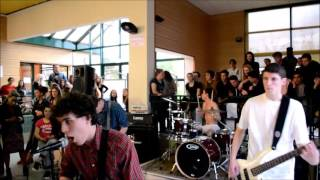 Stupid Jokes - We're still young // Live @Lycée Renoir