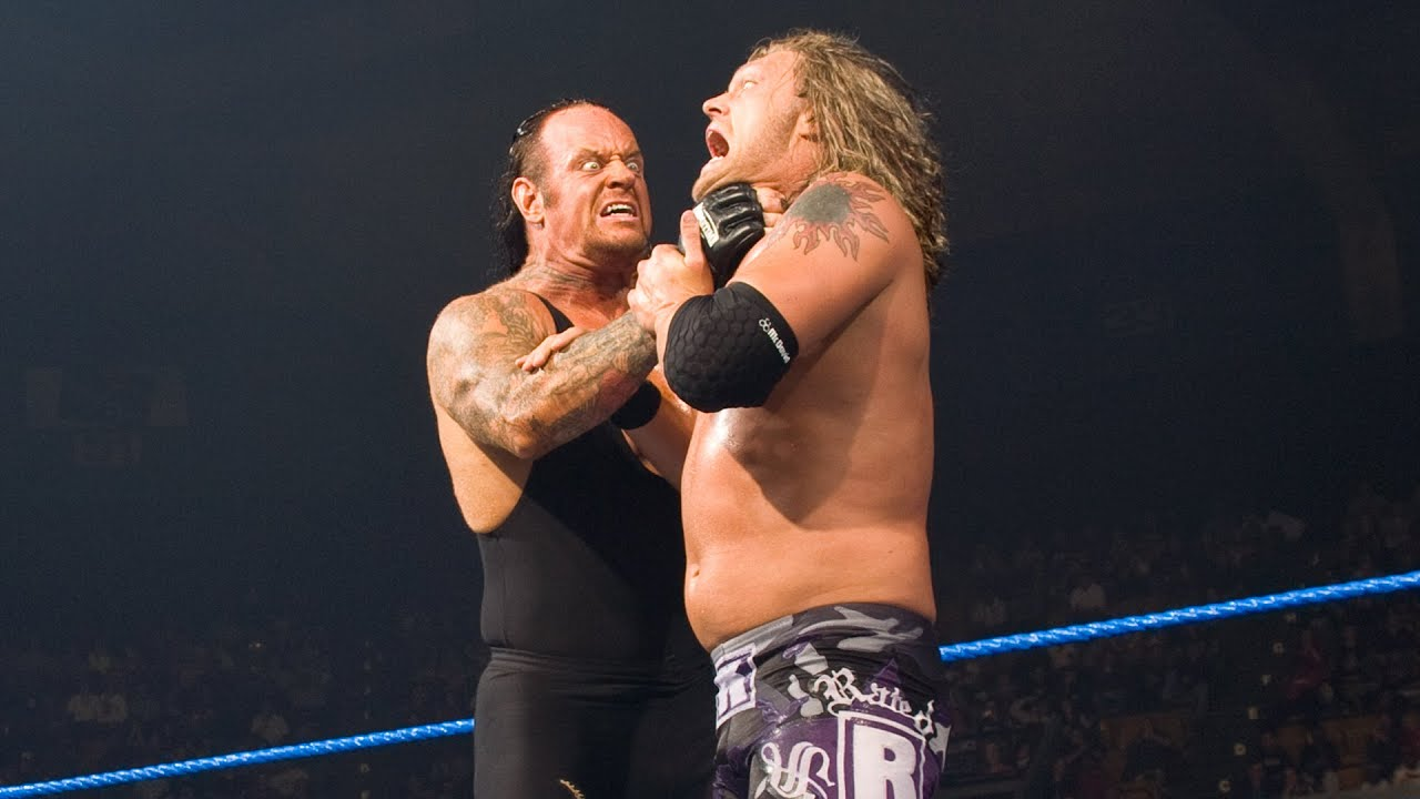 WWE - Undertaker appears during Batista vs. Edge World Title bout: SmackDown, Nov. 30, 2007