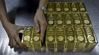 Money Monitor: Is now a good time to invest in gold?