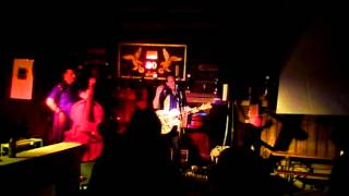 "Atomic Rocketeers live 2012 "" Baby let's play house "" Elvis Presley / Brian Setzer Cover"