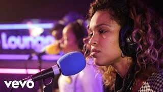 Izzy Bizu - Don't Mind (Kent Jones cover) in the Live Lounge