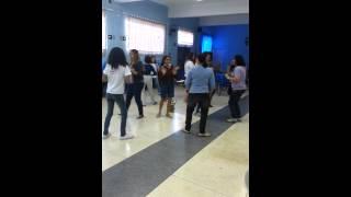 Dança Circular Hoje é dia de festa. Projeto A Rosa Falante. Oficina de 27.4.13