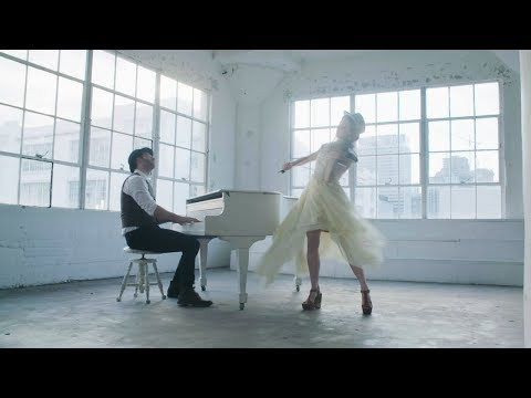 Heads Up Feat Lindsey Strling de Sam Tsui Letra y Video