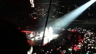 2NE1 New Evolution in Singapore Scream