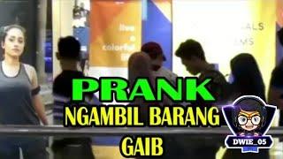 Video lucu,prank ambil barang gaib di mall
