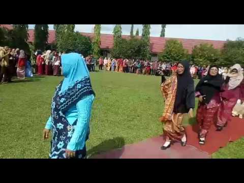 Parade Kartini SMAN 1 TGT 2017