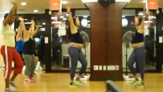 Zumba Fitness - Run the World (Girls) WARMUP Beyonce