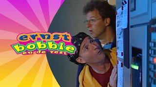 Kortsluiting • Avonturen Bij het Circus • Ernst en Bobbie