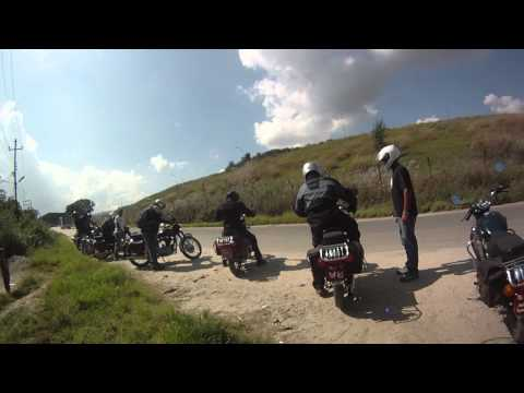 Roadrunner Nepal Day 1 Introduction to Royal Enfield Motorbikes
