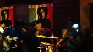 Iron Lyon Zion (Bob Marley) - Natural Dub. De las fuertes influencias en la banda, sexto aniversario