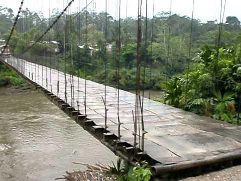 Pont suspendu ou presque