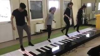 Despacito super group with piano 👍👍👍