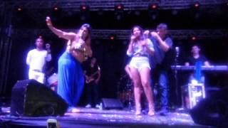 Ela namora um- Simone e Simaria em Manaus Bar das Coleguinhas 2014