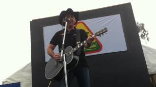 Lee Kernaghan - Dirt. LIVE. Toowoomba 2011