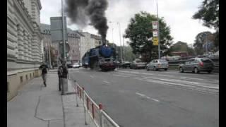 Parní lokomotiva 498.022 v ulicích Brna !!! [2007]