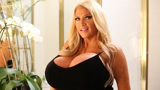 From Mormon To Glamour Model: HOOKED ON THE LOOK