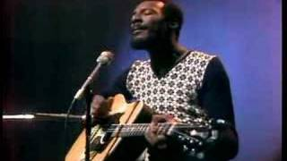 "Richie Havens sings ""Wonder Child"""
