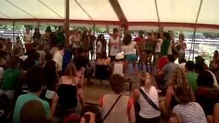 actuación españoles en Taizé