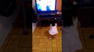 Brujicanciones bebe bailando sacudia impresionante