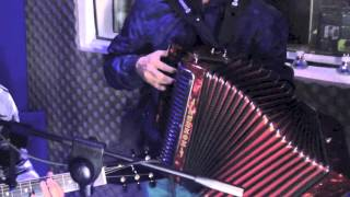 "Te Metiste / Ariel Camacho - Cover: Daniel Garcia N. ft ""Mito"""
