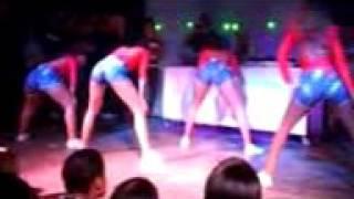 dança menina safada