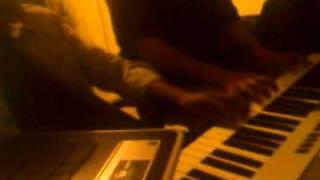 Cantando com musica de piano
