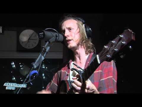 dry-the-river-new-ceremony-live-at-wfuv-thealternateside907
