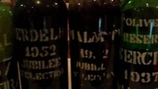 Madeira Wine-Prova de Vinho Madeira no Restaurante Villa Cipriani.avi