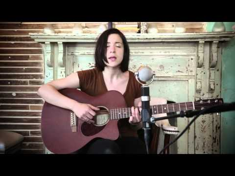 laura-stevenson-the-move-american-acoustic-session-karmalooptv