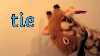 Geraldine the Giraffe learns /ie/ in pie