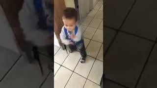 Criança dancando funk😂😂