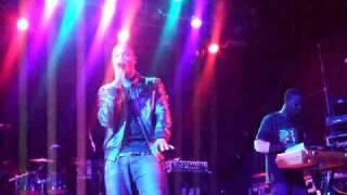 Taio Cruz - I Just Wanna Know LIVE Manchester Academy 2