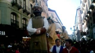 Comparsa de gigantes enmascarados carnaval infantil 2017
