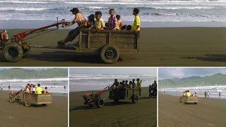 Kendaraan Unik di Pantai Logending