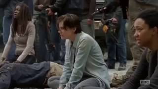 The Walking Dead 7x01 Negan takes Daryl and Leaves Scene twd