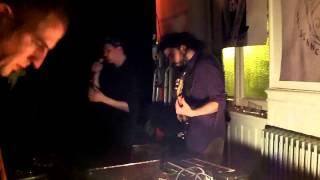 Mwano (live) - ça grouille (avec Kiki faringite à la basse)