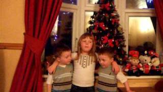 Kids Singing Christmas Songs 004