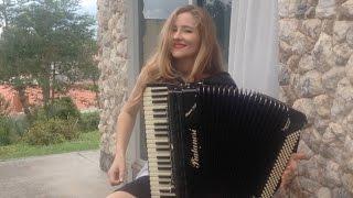 Bia Socek no acordeon #Compartilha