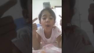 Cantando a música da Larissa Manoela e Joaquim