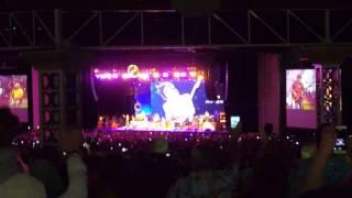 Jimmy Buffett performs Prince's Purple Rain