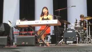 Dami Im - Beauty In The World (live) @ 6 Dec 2014