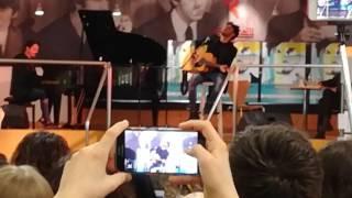 Fabrizio Moro - portami via live feltrinelli Milano
