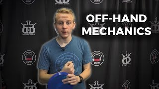 What do I do with my off hand while throwing? | Danny Lindahl DGAM